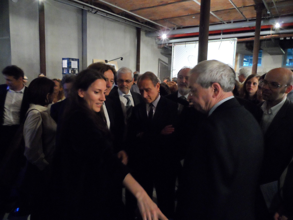 Beatriz Ramo Presented the Co-Résidence Concept to the Mayor of Paris, the French Minister of Culture among others at the Centre 104 in Paris